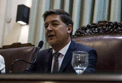 Criticas a López. Entre realidades y fondos provinciales