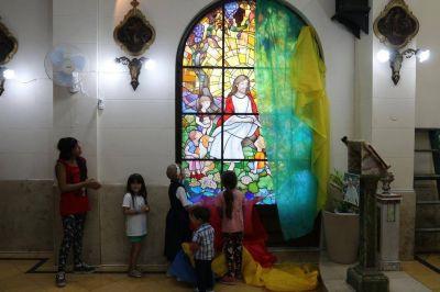 La capilla del Hospital de Niños, con nuevo vitral
