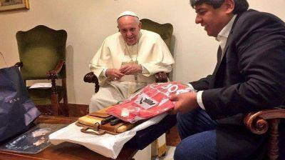 Pablo Moyano diserta en el Vaticano con guiño del Papa