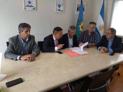 Se firmó convenio entre el Centro de Martillero de Tandil y Amemt