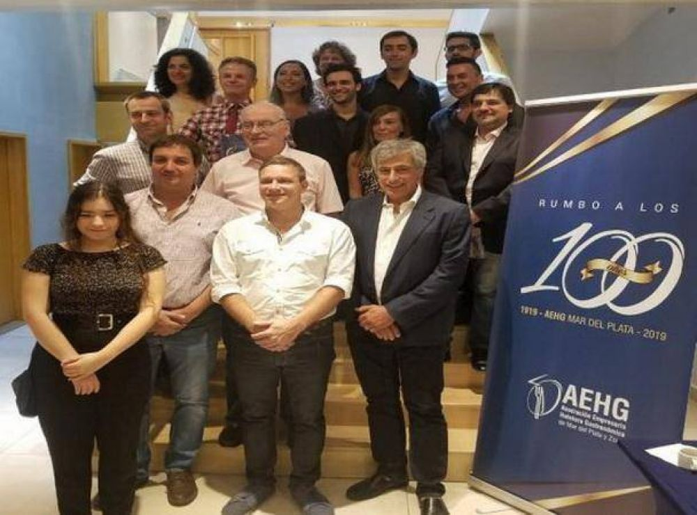 Reconocimiento por los 100 años a la Asociación Empresaria Hotelera Gastronómica