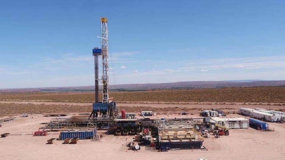 A pesar de un leve crecimiento, la producción de petróleo sigue lejos de su máximo histórico