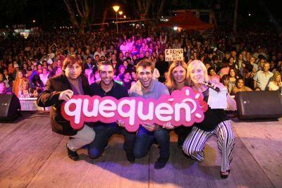 En una plaza colmada, López puso en valor el festejo del Carnaval en Quequén