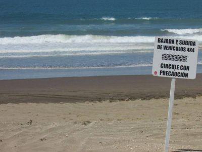 Bajadas de vehículos a la playa: El Ejecutivo propone limitar espacios y generar obleas