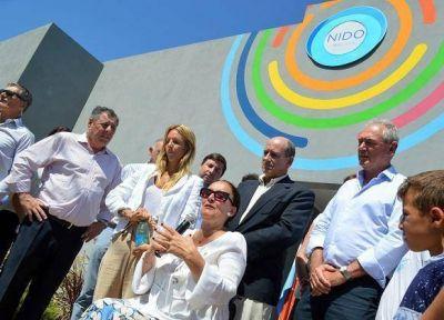 Mornacco explicó paso a paso los gastos de la obra que inauguró con Michetti