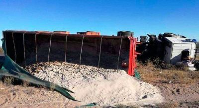 Camiones a Vaca Muerta rompen rutas pampeanas