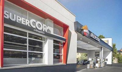 Repsol acelerará este año su alianza con El Corte Inglés y prevé superar las 350 tiendas en sus gasolineras