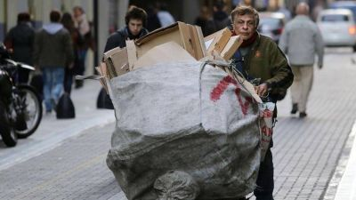 Los analistas creen que a pesar de los anuncios del Gobierno los indicadores de la pobreza no bajarán en 2019