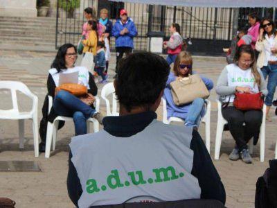 Docentes Universitarios movilizan al centro en su primera jornada de huelga del año