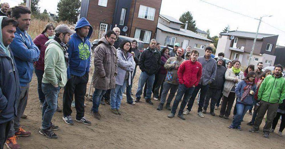 """Vecinos de El Cóndor se sienten """"abandonados"""""""