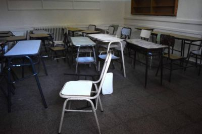 Según los gremios, el acatamiento al paro docente alcanza el 80%