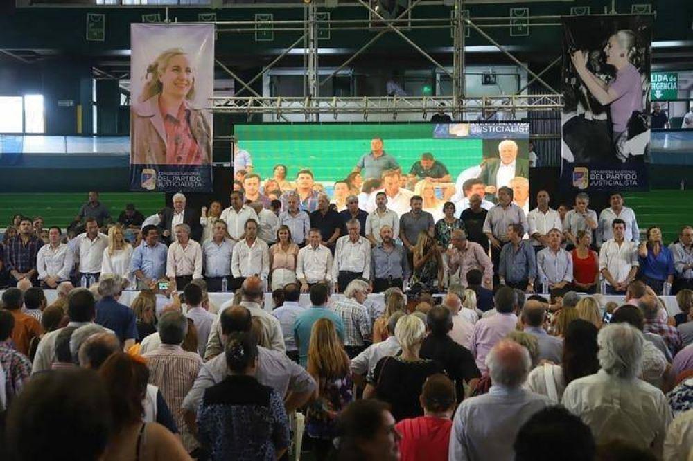 El PJ convocó a Sergio Massa y a los gobernadores para sellar la unidad y enfrentar a Mauricio Macri