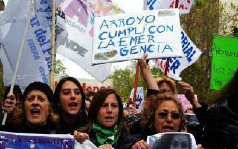 Mar del Plata: Trabajadoras municipales temen que Arroyo les descuente el sueldo si adhieren al paro de mujeres
