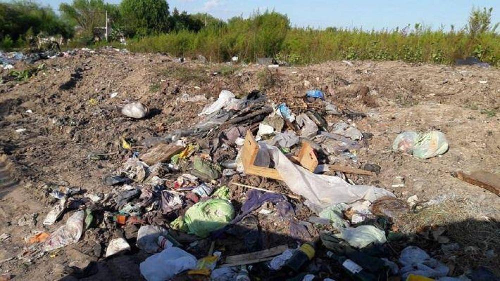 Pese al trabajo y las campañas, el Municipio no puede erradicar los microbasurales