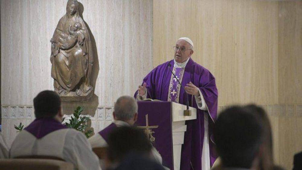 Papa Francisco: Los cristianos no deben ser hipócritas, con el alma maquillada