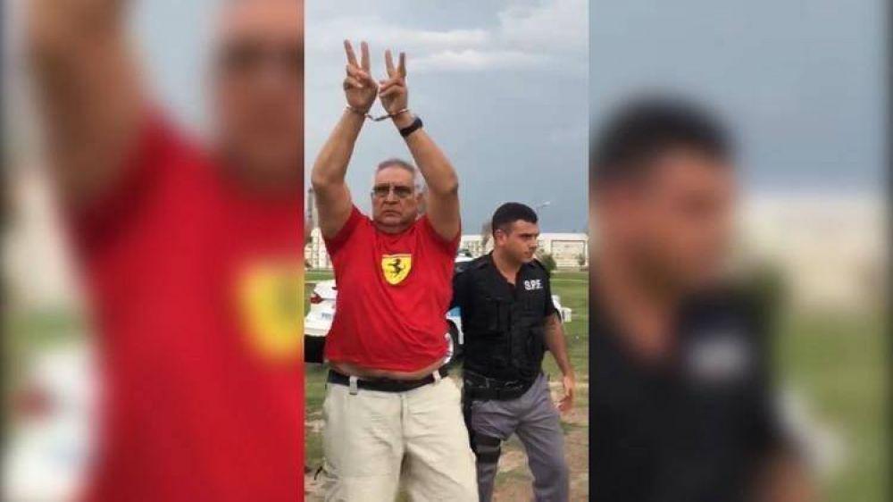 Pata Medina salió de la cárcel para visitar la tumba de su hermana y fue ovacionado por la