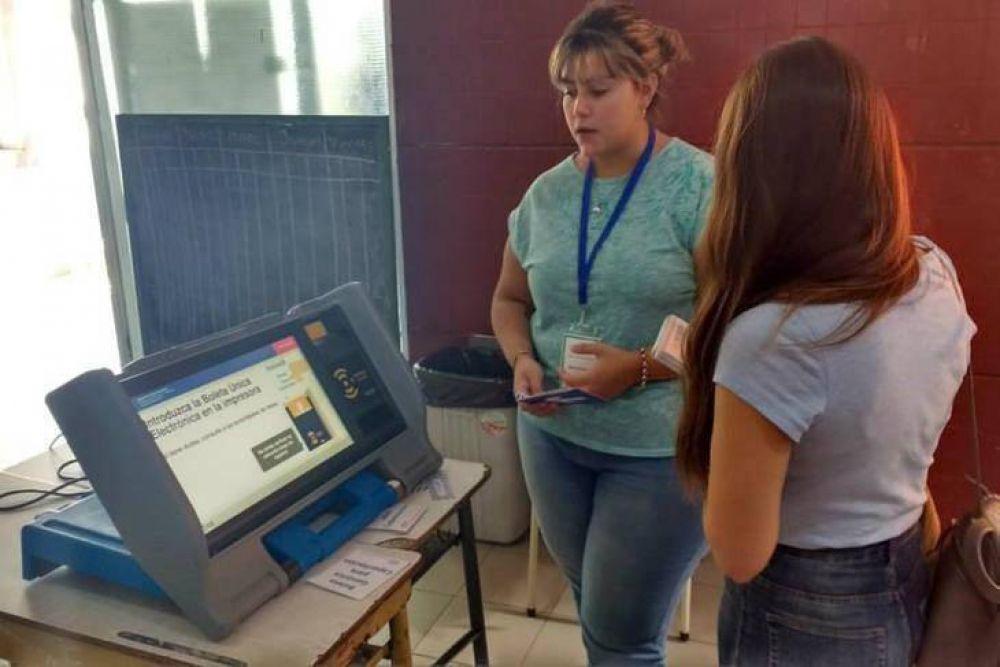 El voto electrónico acumuló denuncias por irregularidades