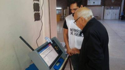 Fracasó la Boleta Única Electrónica en Neuquén: Algunos votaron dos veces