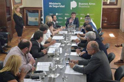 Canosa anunció la puesta en marcha de la policía comunal