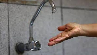 La falta de agua potable, el drama que viven desde hace años los vecinos de La Plata