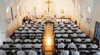 Con la mira en los abusos, obispos se reúnen en Pilar