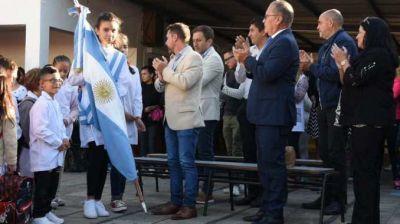 """Descalzo inauguró las clases en Ituzaingó y reivindicó la lucha docente por el salario: """"es totalmente justa"""""""