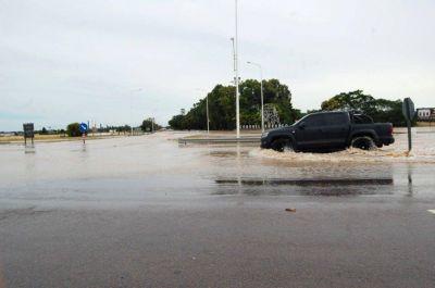 Pedido a Vialidad por el estancamiento de agua en las banquinas de las rutas
