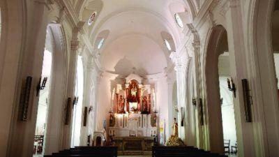 Iglesia Catedral Inscriben para tomar la Comunión y Confirmación
