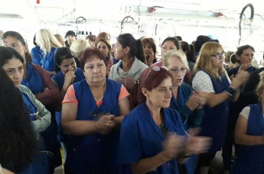 """Por la """"miseria salarial"""", las empleadas de Textilana hacen un paro"""