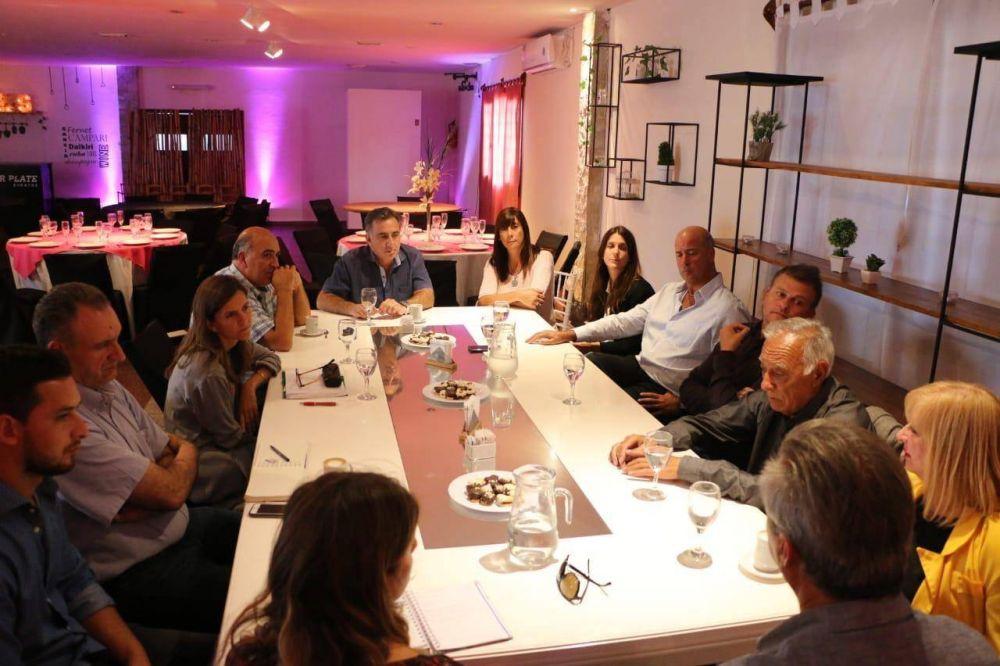Reunión de presidentes de clubes con Fernanda Raverta