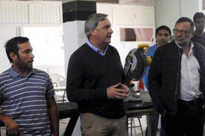 Gygli y Ruggiero lanzaron la capacitación en carpintería en aluminio