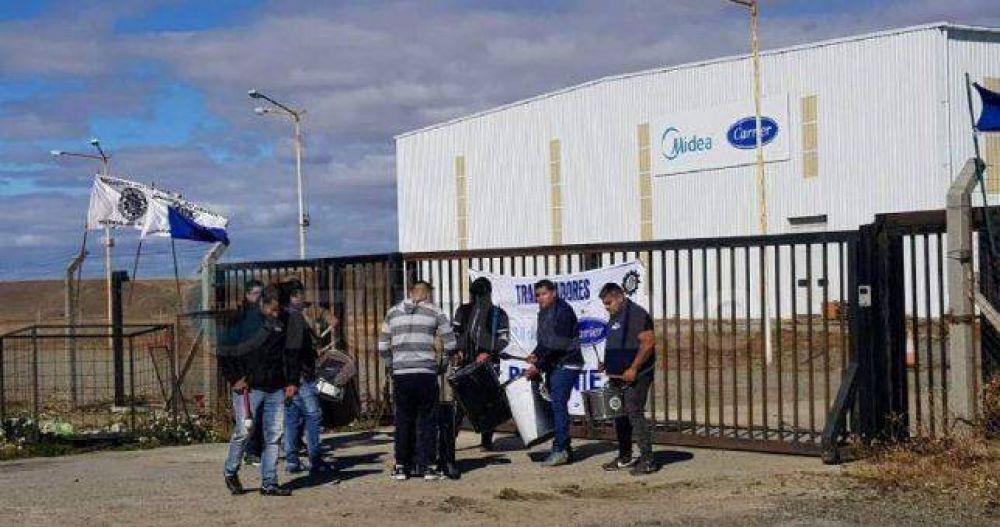 Igual hay Dunga Dunga: a pesar de congelar los salarios, hay despidos de metalúrgicos en Tierra del Fuego