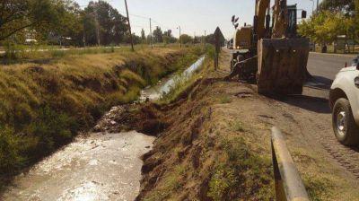 Retiran mas de 10 mil kilos de basura del canal San Martín