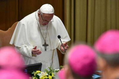 Los obispos le propondrán al Papa que viaje a la Argentina