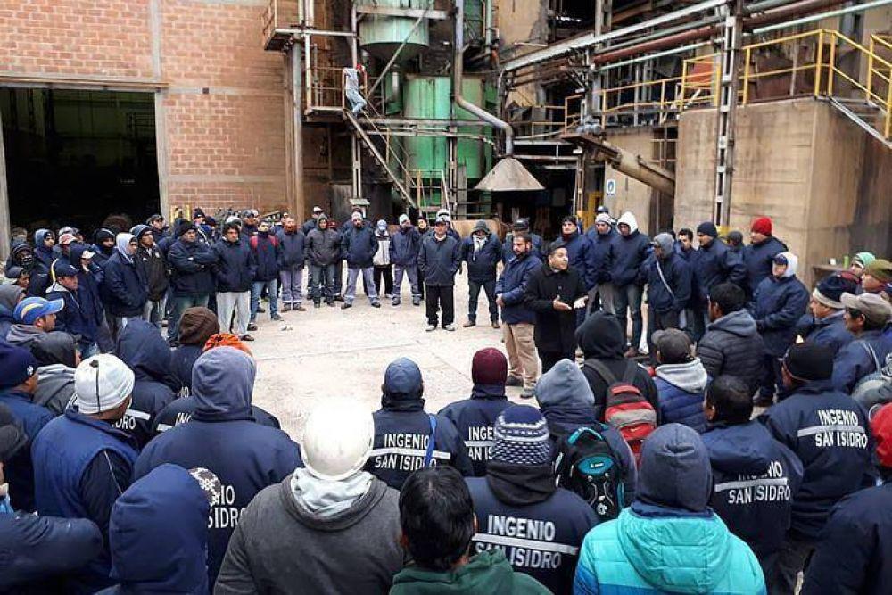 Denuncian que Ingenio San Isidro fuerza a los trabajadores a abandonar el sindicato
