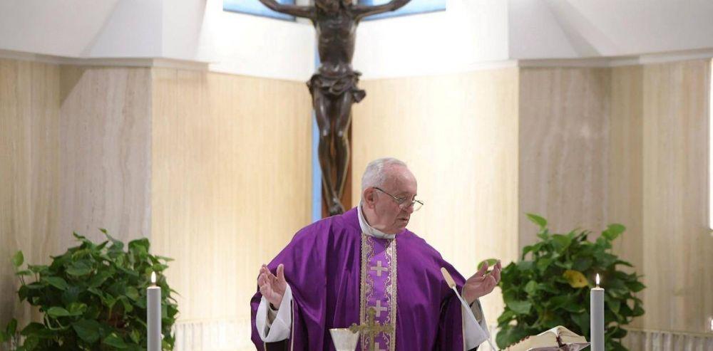 """Presión de los obispos argentinos al Papa: """"No se prive de la alegría de visitarnos"""""""