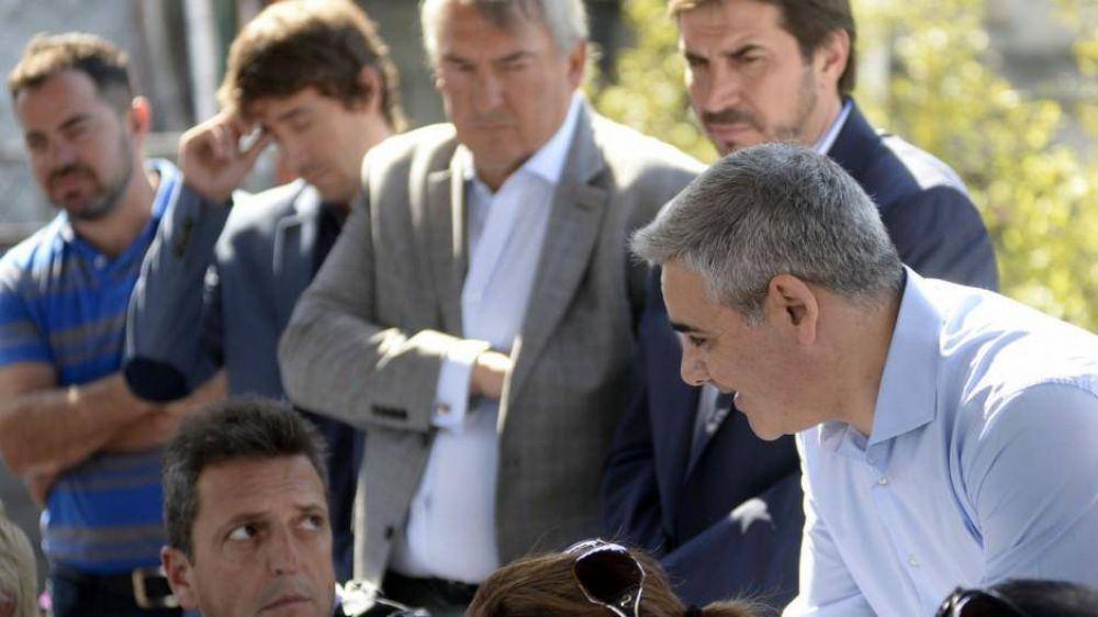 Massa podría fusionarse con el peronismo y armar un bloque de 20 diputados en la provincia