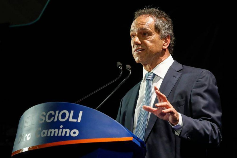 Daniel Scioli lanzó su precandidatura y presentó sus diez medidas de gobierno