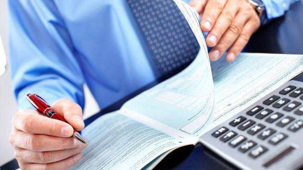 Intimar a las empresas para no ajustar por inflación: una medida que hace recordar a la AFIP de Echegaray