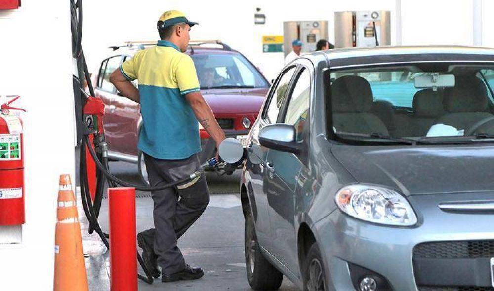 Combustibles: Pronostican que para abril el piso del aumento será de un 3 por ciento