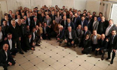 Bajo la sombra de Vidal, Macri atiende la preocupación de intendentes propios