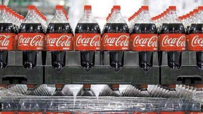 El modelo de gestión de crisis de Coca-Cola ya le genera dolores de cabeza al Gobierno