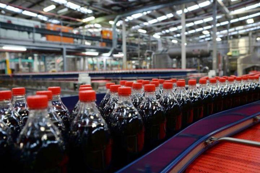 Coca Cola reveló la impresionante cantidad de plástico que utiliza por año