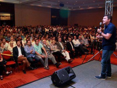 De Marchi reunió a una multitud y espera debatir con Suarez