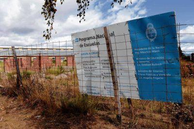 Bariloche tiene un cementerio de ladrillos en obras inconclusas