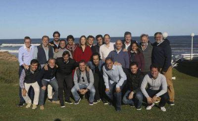 Antes de lanzarse de lleno a la campaña, Vidal retoma los retiros espirituales junto a su Gabinete
