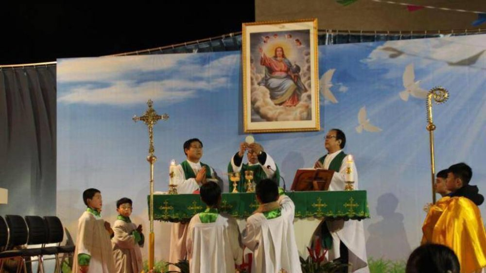 """Católicos chinos, meses de """"reconciliación"""" en la diócesis de Baoding"""