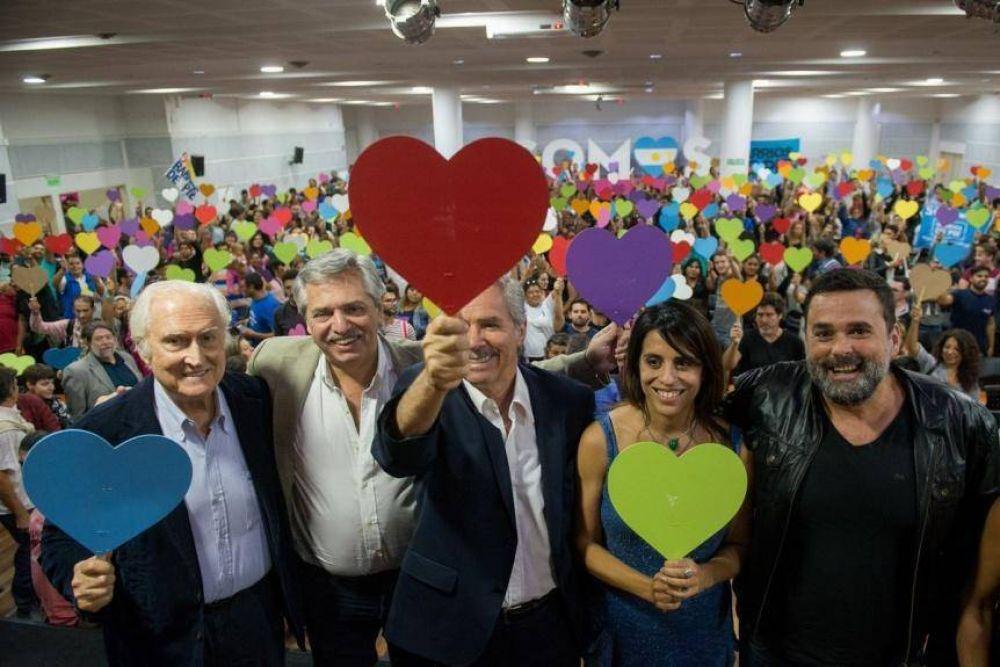 En su primer Congreso nacional, Somos se rodeó de kirchneristas y peronistas
