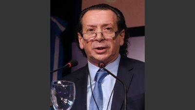 Sica alentó la cláusula de revisión en las paritarias