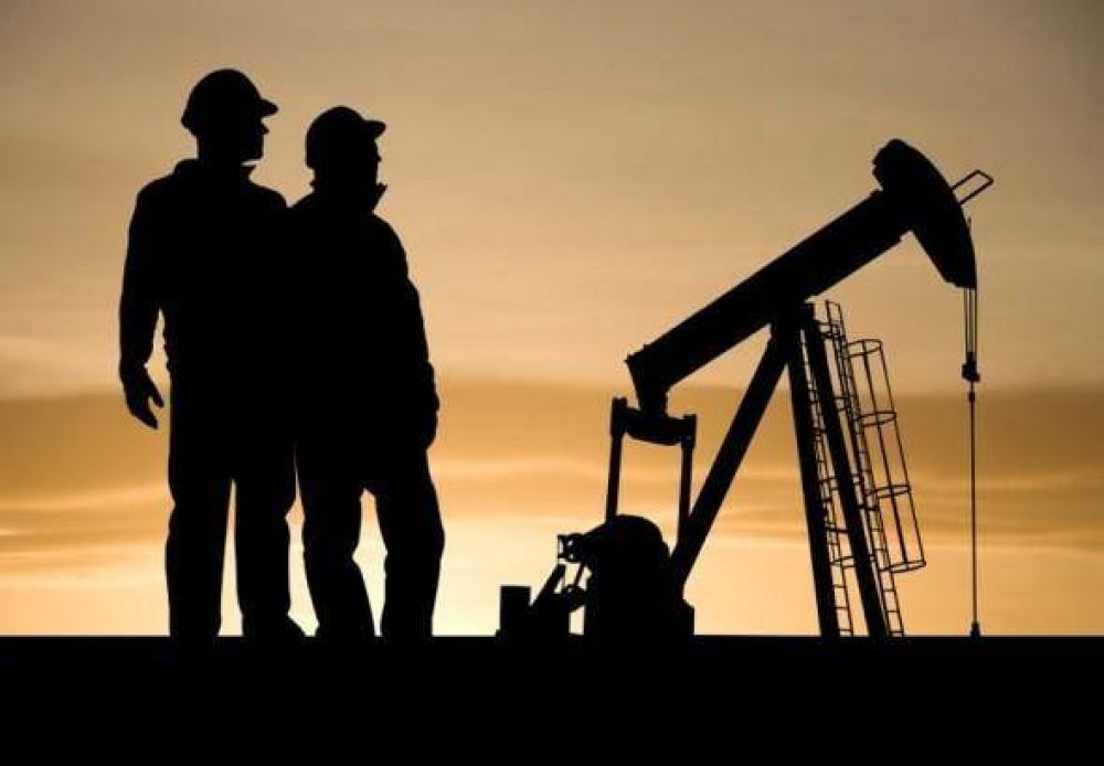 Pereyra logra 30% de aumento salarial y clausula de revisión para petroleros de Neuquén y Río Negro